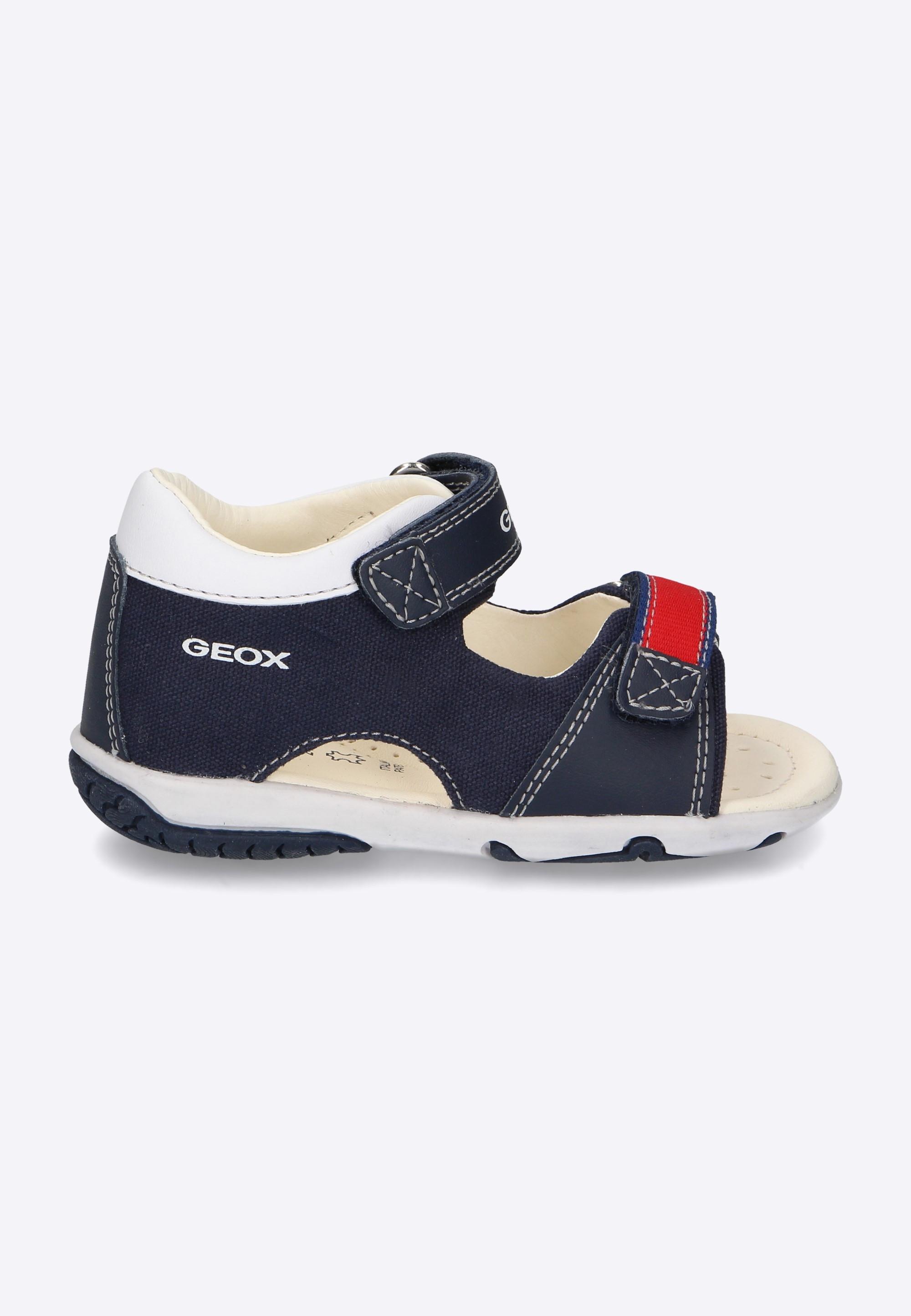 4b26e5a9b3c1e Sandały chłopięce GEOX - Nico - Odzież i Obuwie