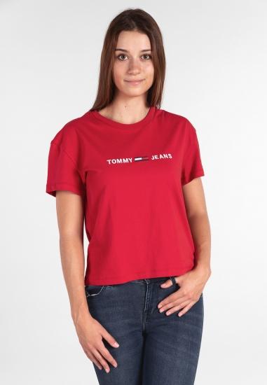 T-shirt o szerszym kroju...