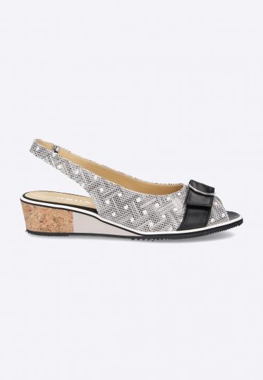 Wzorzyste sandały BRUNATE