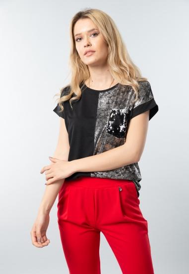 T-shirt damski z cekinową kieszenią Joggy