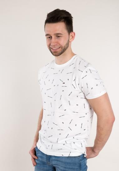 T-shirt z napisami TOMMY...