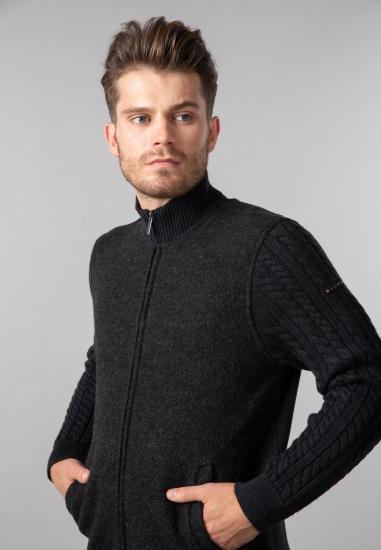 Wełniany sweter męski...