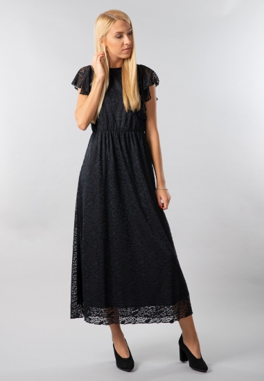Długa koronkowa sukienka...