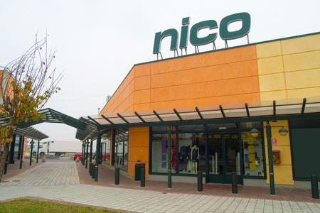 sports shoes 58b2d 4bbf9 Salony sprzedaży - Włochy - Nico - Odzież i Obuwie